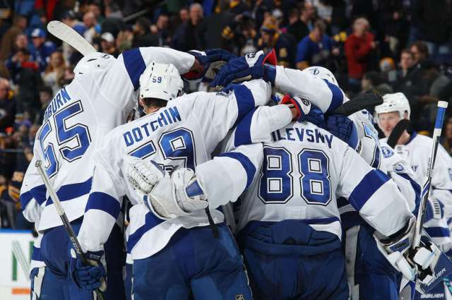 BUFFALO, NY - MARCH 04: Tampa Bay Lightning players celebrate their 2-1 shootout victory against the Buffalo Sabres in an NHL game at the KeyBank Center on March 4, 2017 in Buffalo, New York. (Photo by Bill Wippert/NHLI via Getty Images)