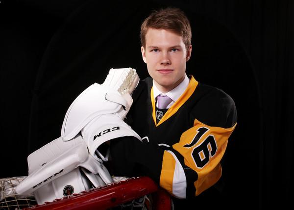 Filip+Gustavsson+2016+NHL+Draft+Portraits+Om1BbOinrTll.jpg