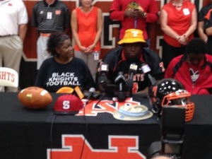 North Davidson defensive tackle Shy Tuttle picked Tennessee over UNC and N.C. State. / WFMY