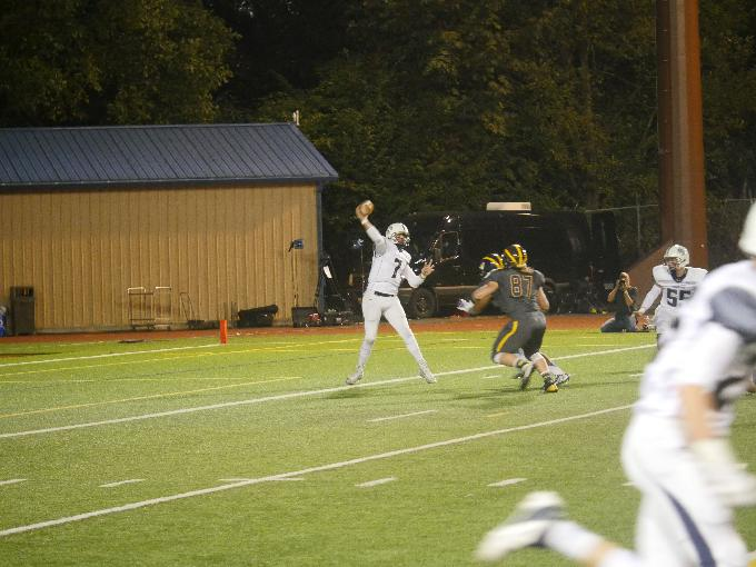 Glacier Peak QB Brady Southard throws a pass in the game against Bellevue.