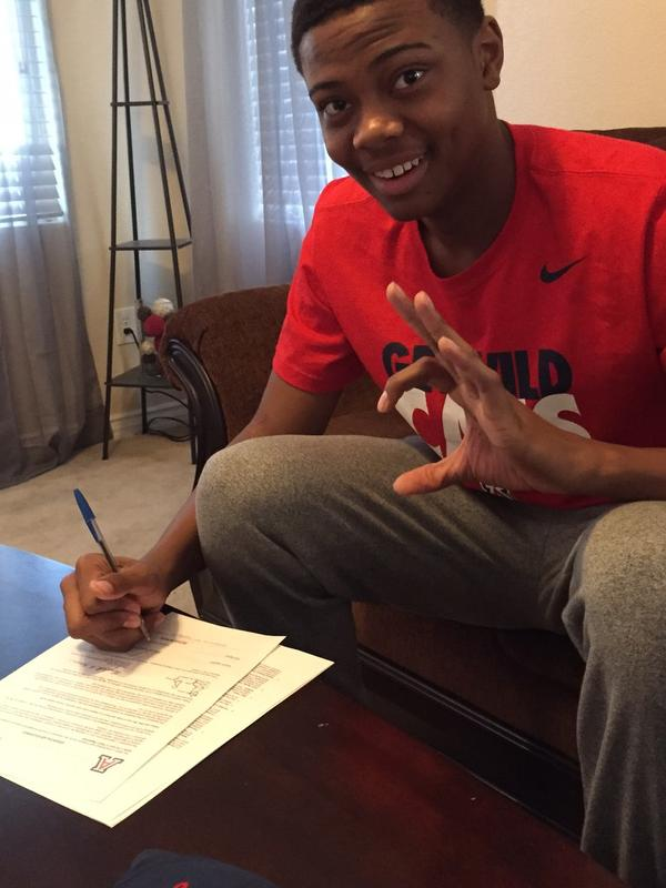 Findlay Prep shooting guard Allonzo Trier signed Thursday with Arizona, as expected.
