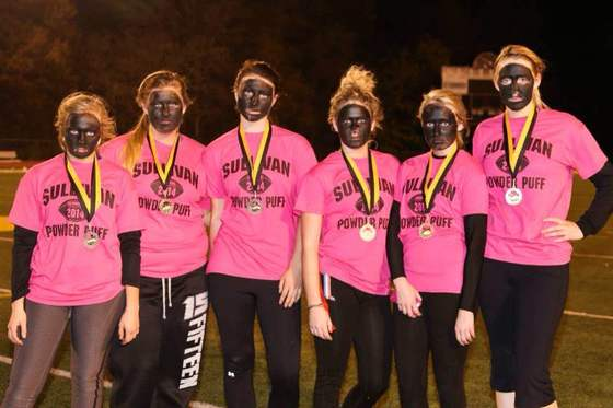 An all-white powder-puff football team at Sullivan High in Missouri competed while wearing full blackface —Facebook