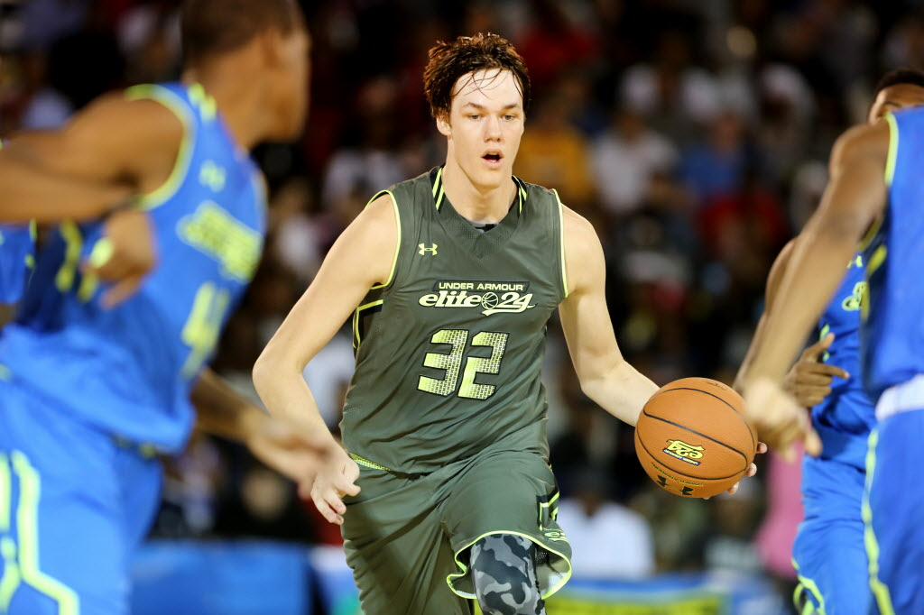 Bishop Gorman center Stephen Zimmerman is one of the top recruits in the country. (AP Photo/Gregory Payan)