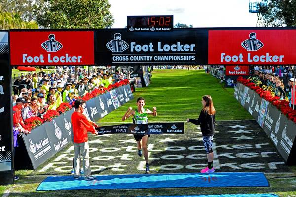 Grant Fisher of Grand Blanc, Mich., won the boys title at Footlocker Nationals for the second consecutive year.