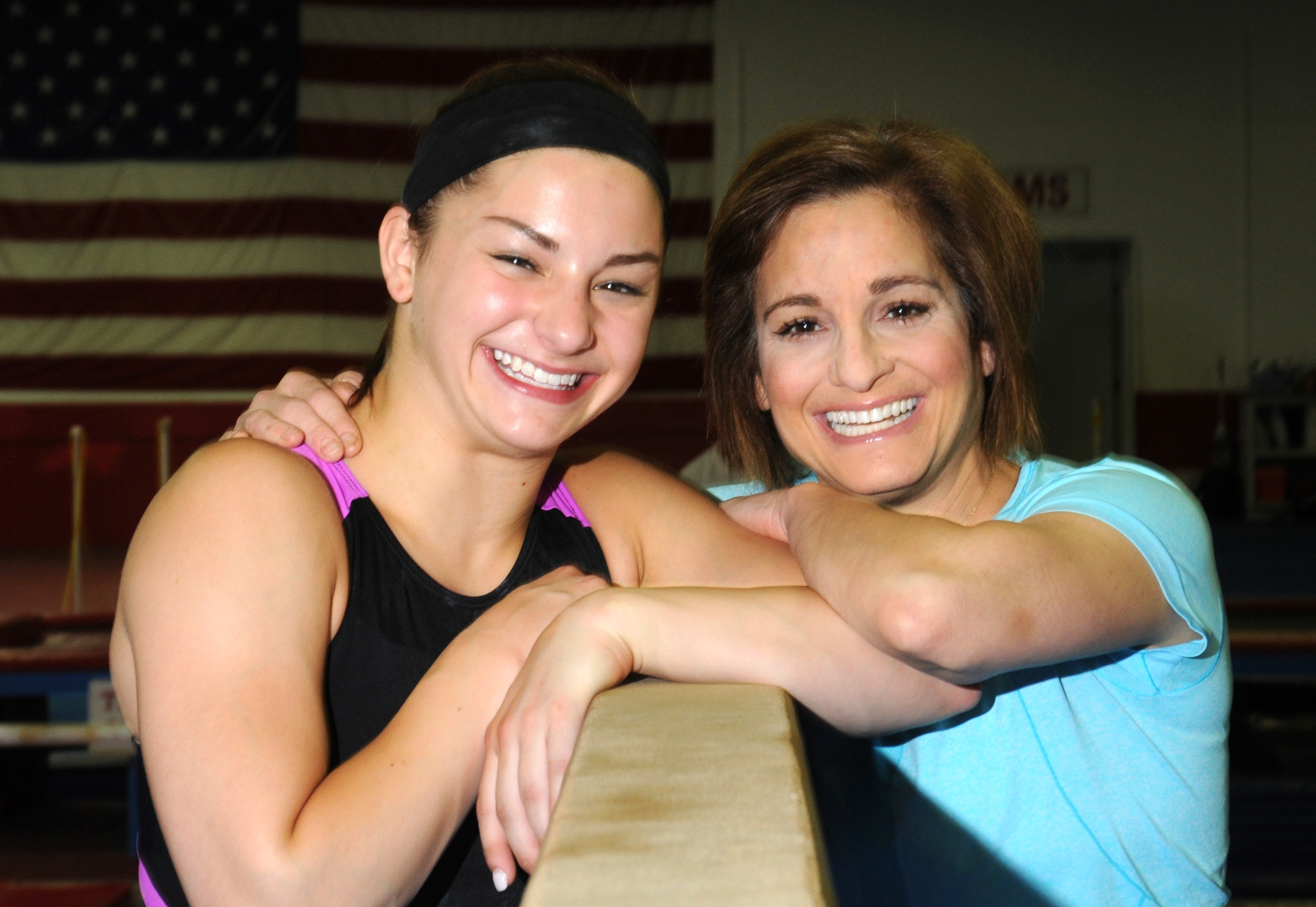 McKenna Kelley ,left, and her mother Mary Lou Retton (Houston Chronicle)