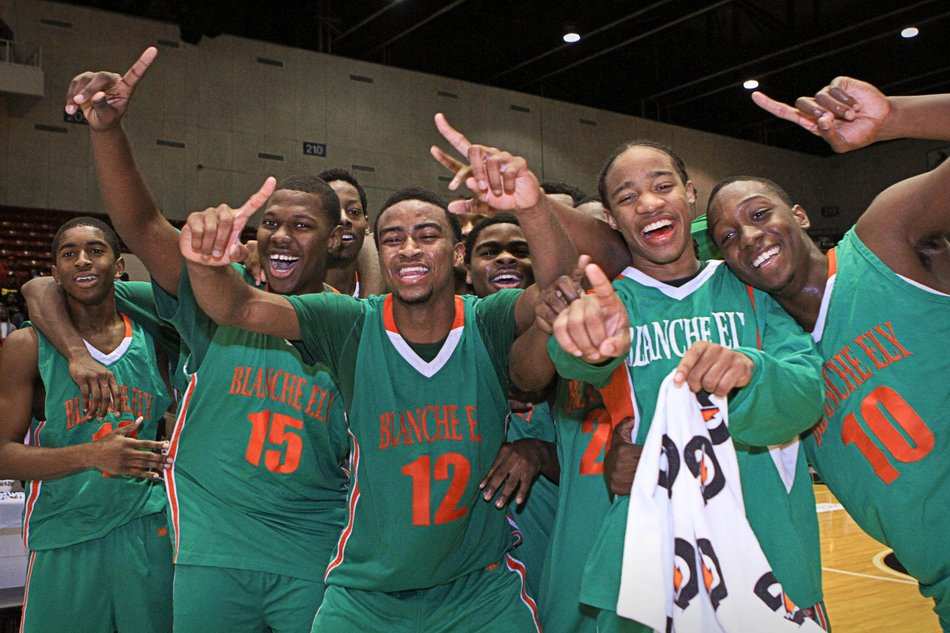 Unbeaten Blanche Ely (28-0) of Pompano Beach, Fla., moved up to No. 5 by winning the Florida 7A title.