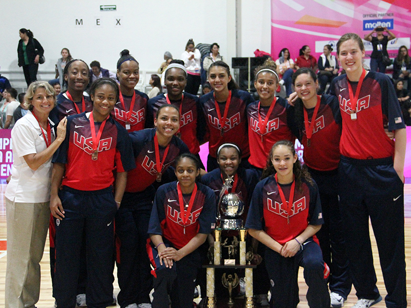 The U.S. U16 team poses after collecting its bronze medals (Photo: USA Basketball)