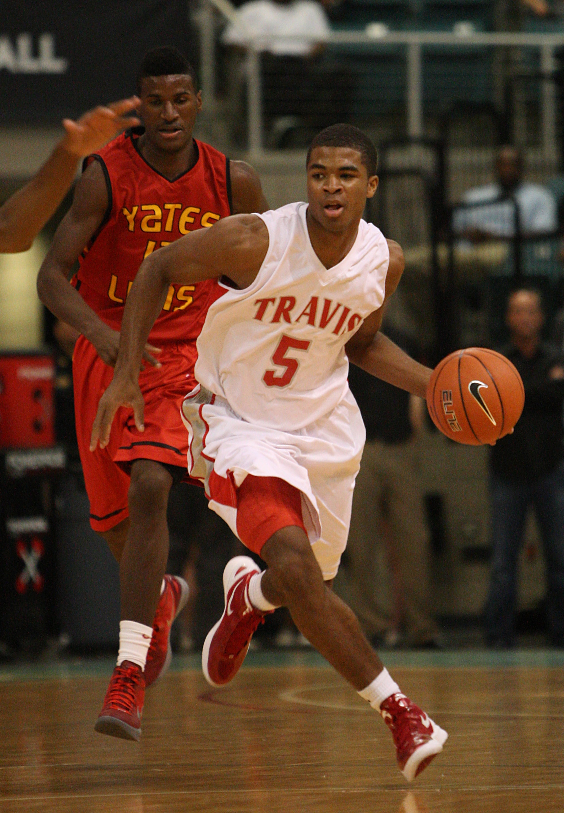 Travis' guard Andrew Harrison (5). (Karen Warren, Houston Chronicle)