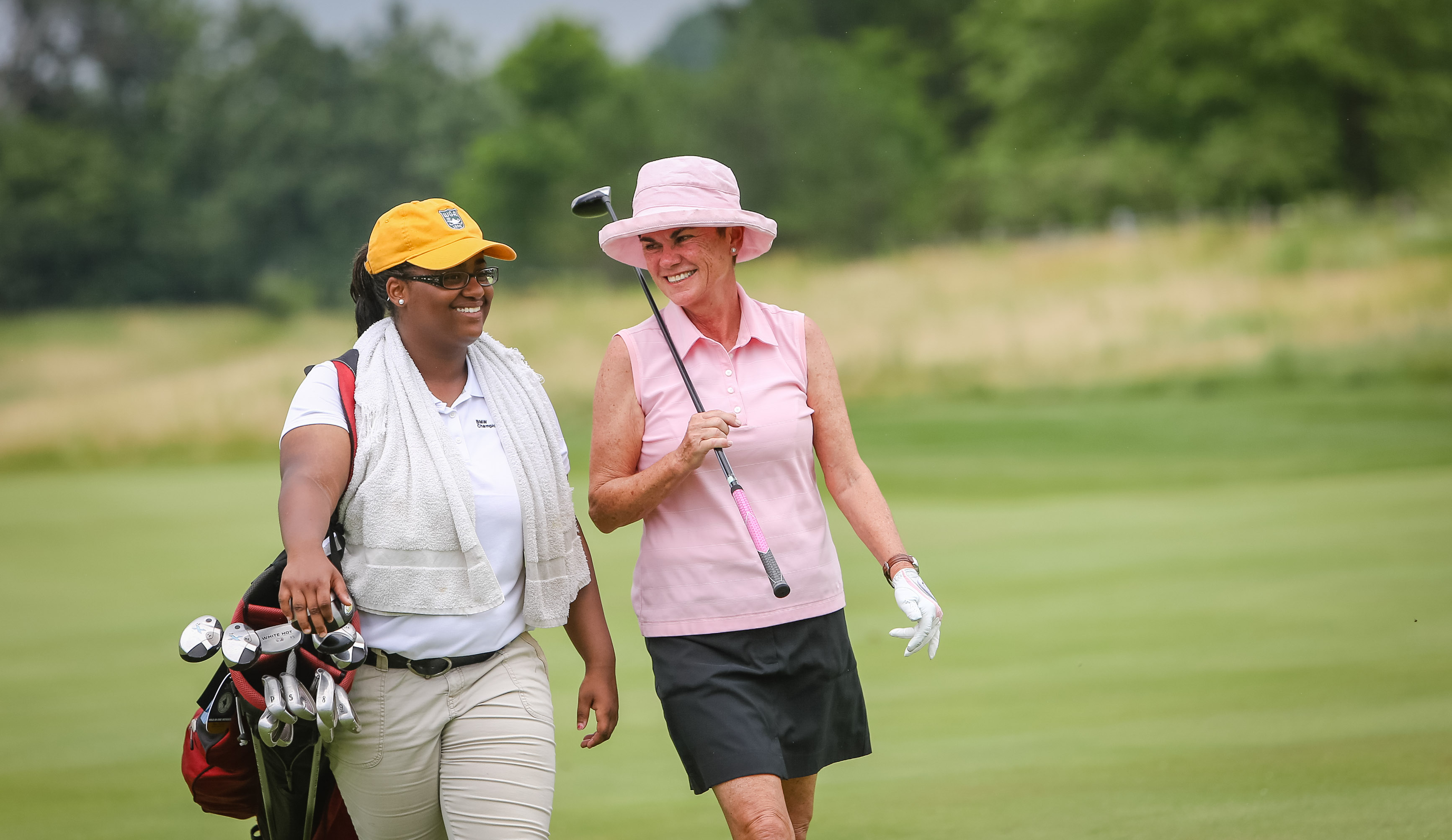 The 18-year-old Jones says caddying builds character and teaches her to deal with any type of personality. (Photo:©Charles Cherney Photography)