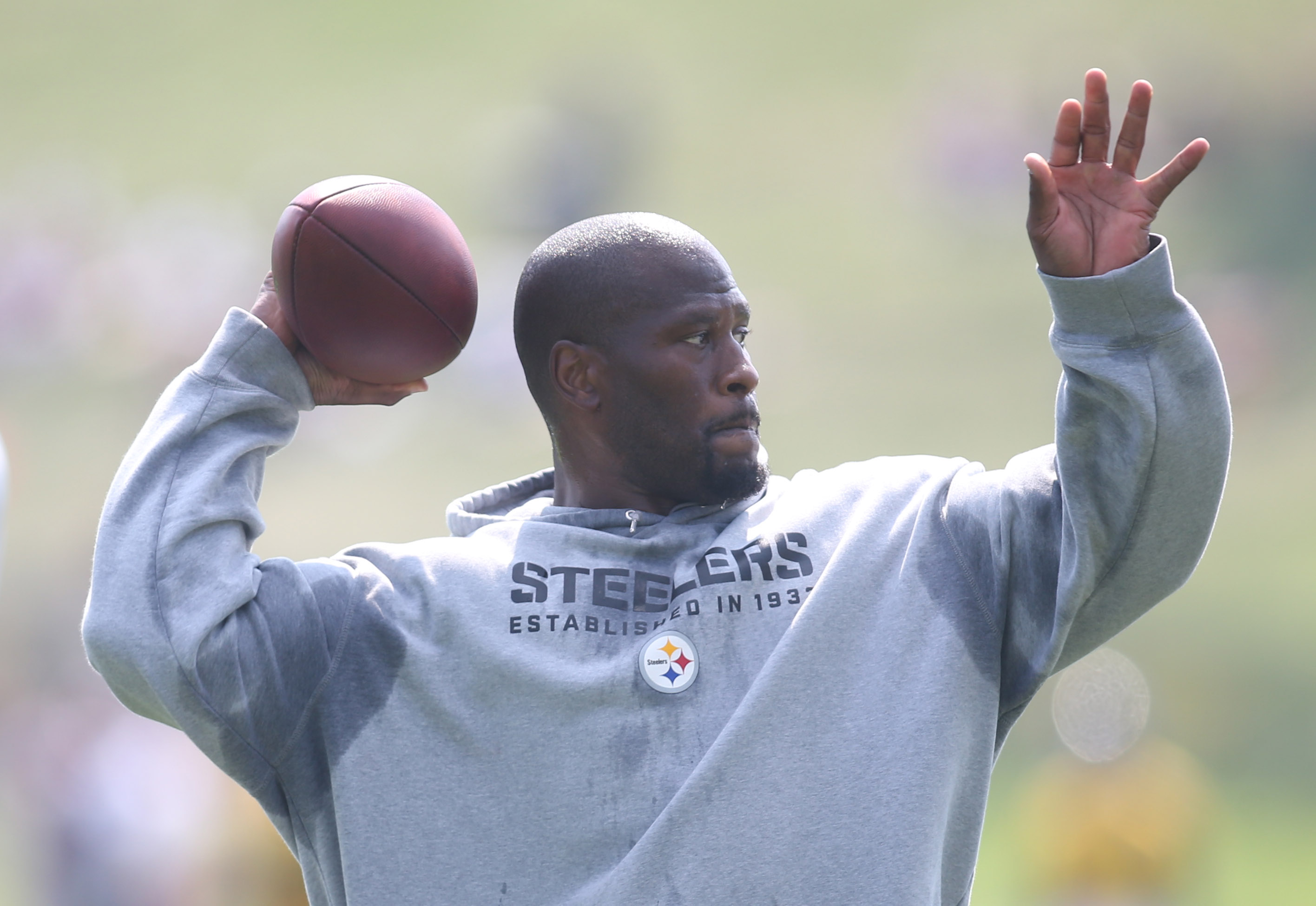 Steelers linebacker James Harrison takes part in drills. Photo: Charles LeClaire, USA TODAY Sports