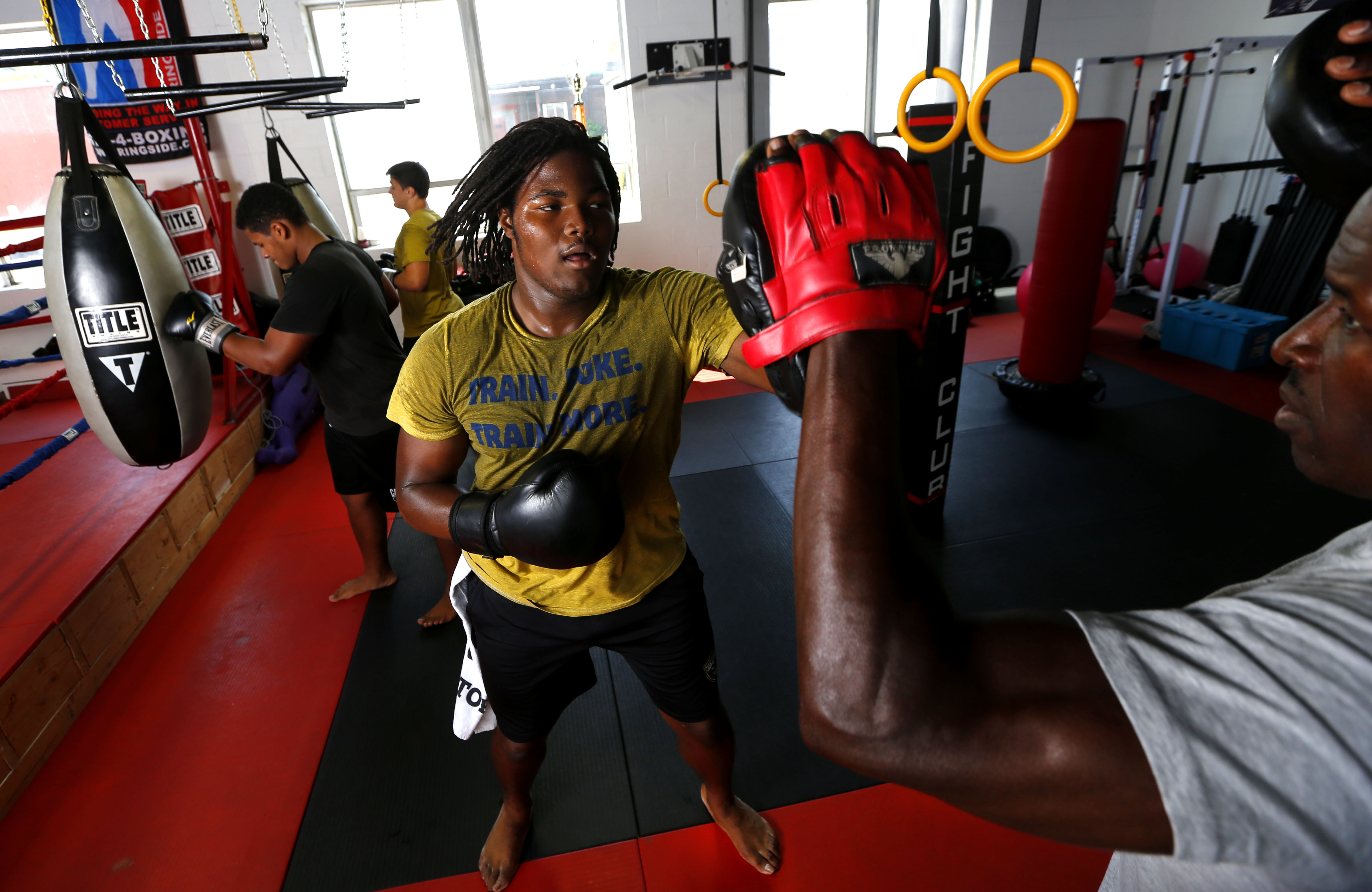 Boxing is part of the strength routine for No. 1 recruit,defensive end Rashan Gary of Paramus Catholic (Photo: Noah K. Murray, USA TODAY Sports)