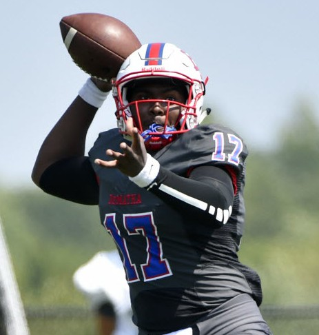 DeMatha quarterback Beau English (Photo: Derik Hamilton, USA Today Sports).
