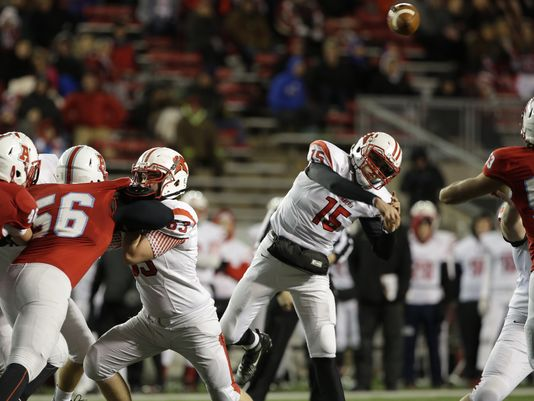 Kimberly's Danny Vanden Boom throws a pass during Friday's WIAA Division 1 state football championship game against Arrowhead (Photo: Joe Sienkiewicz/Gannett Wisconsin Media)