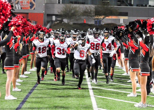 Centennial held off a late charge by Mater Dei to set up a Pac-5 championship game against St. John Bosco (Photo: Twitter)