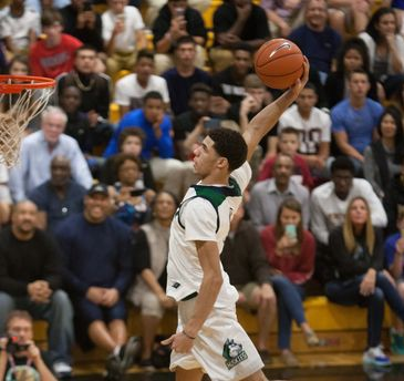 Lonzo Ball's go-to move can't be stopped. (Fort Myers News-Press Photo by Gregg Pachkowski )