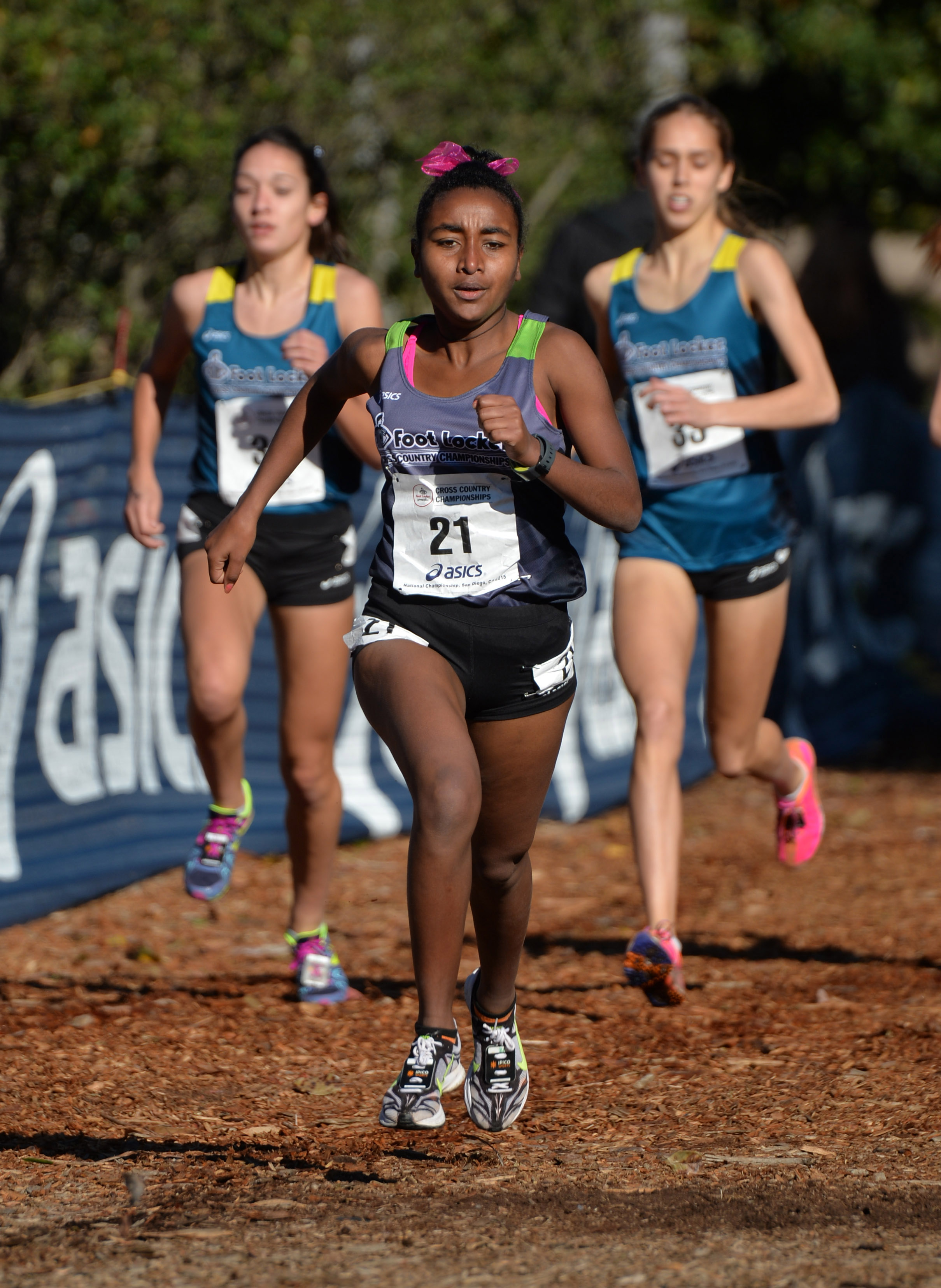 Weini Kelati of Heritage High (Va.) wins the girls race in 17:09. Photo: Kirby Lee, USA TODAY Sports)