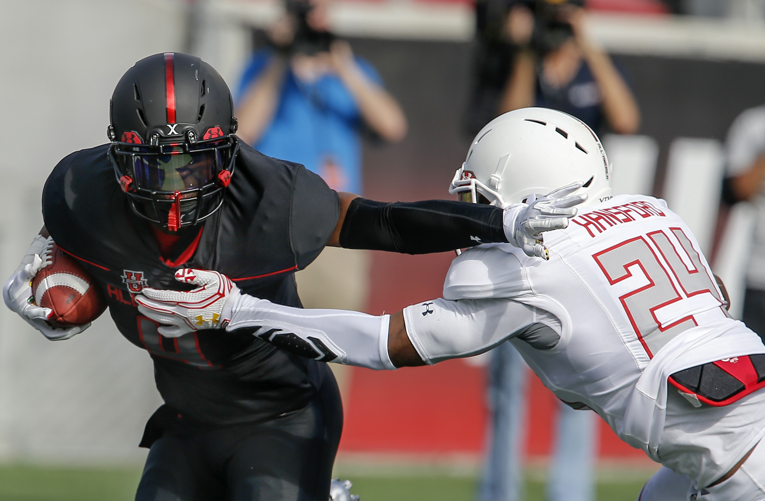 Miles Sanders (4) runs around Aaron Hansford during the Under Armour All-America Game (Photo: Reinhold Matay, USA TODAY Sports)