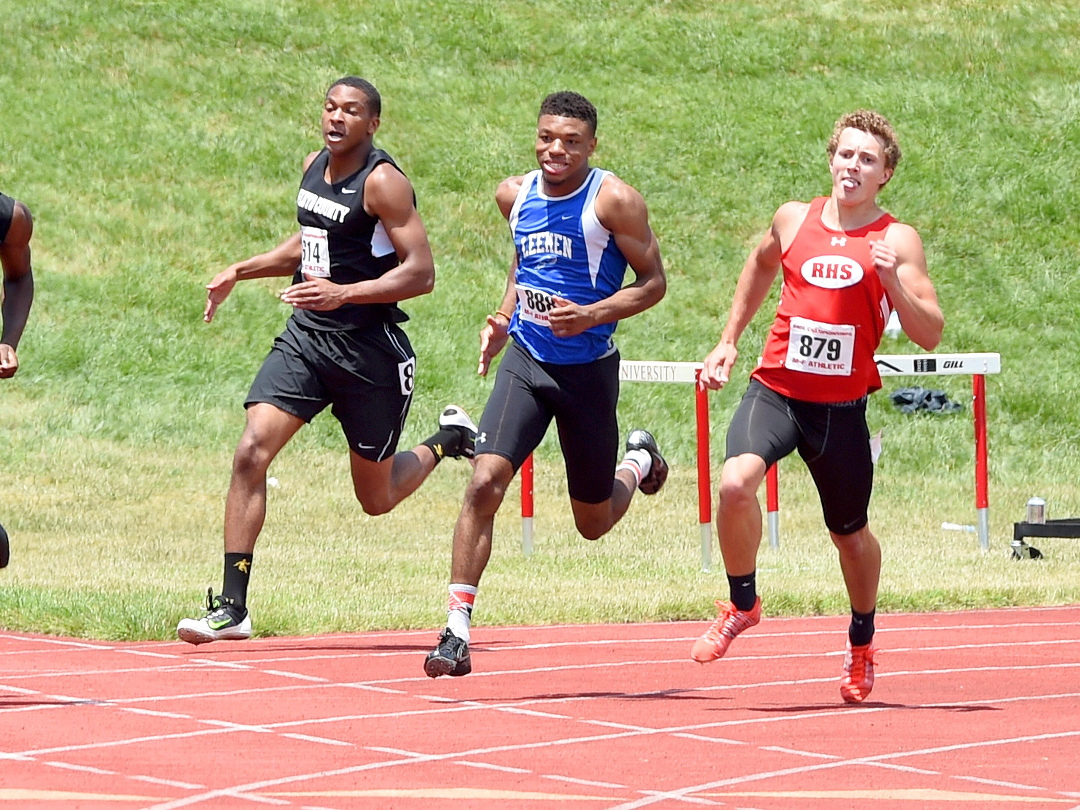 Robert E. Lee's Iyion Oravitz, center, and Riverheads' Landon Diehl, right, finished first and second, respectively at the 1A/2A indoor track championships Thursday in Lynchburg.