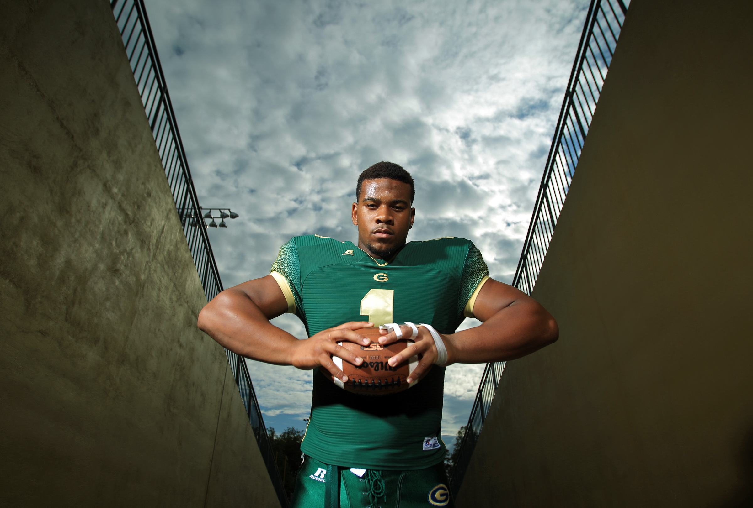 Grayson defensive lineman Robert Nkemdiche. (Photo: Jason Getz, AP)