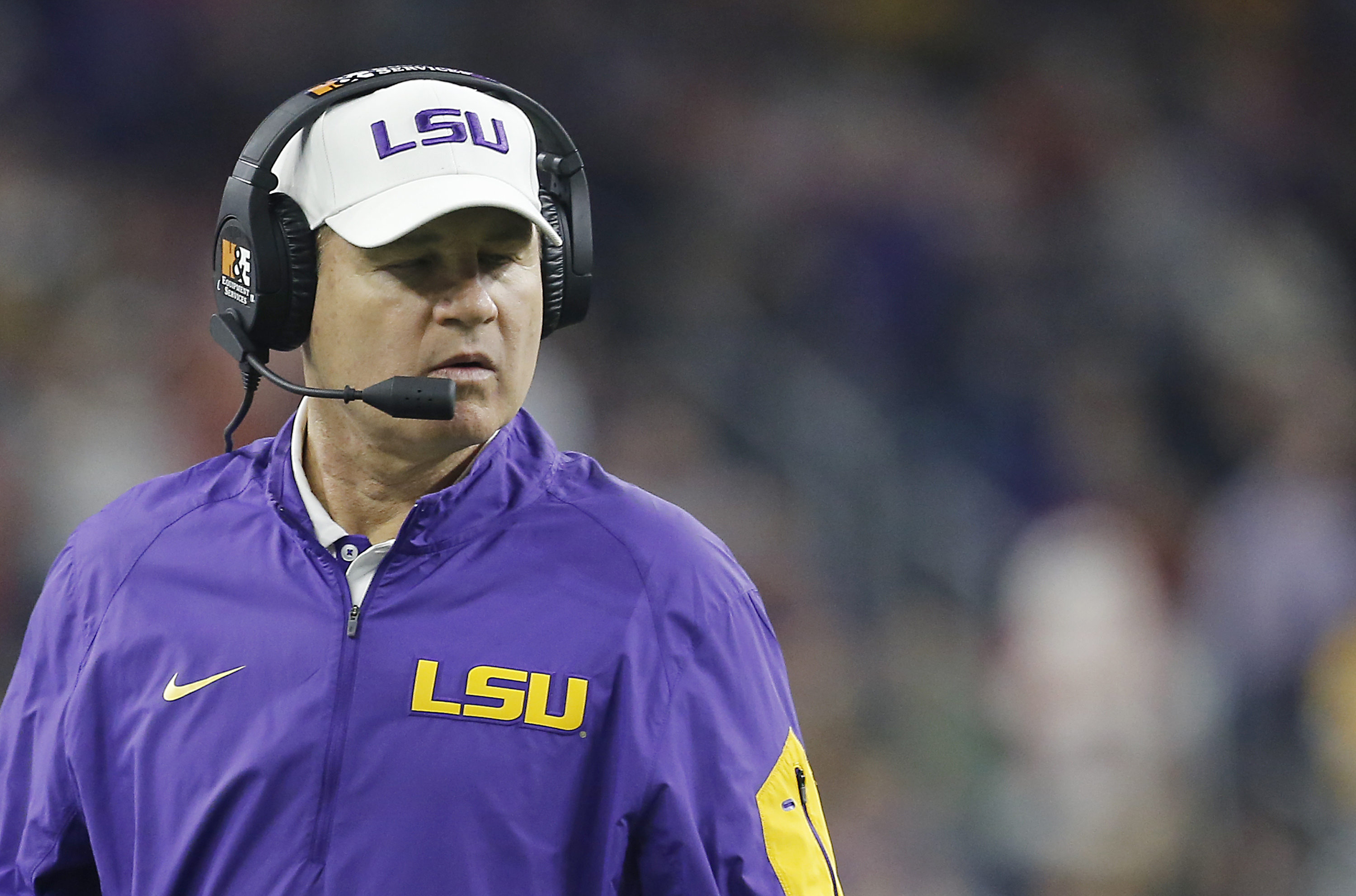 LSU coach Les Miles has the top-ranked recruiting class entering National Signing Day (Photo: Thomas B. Shea, USA TODAY Sports)