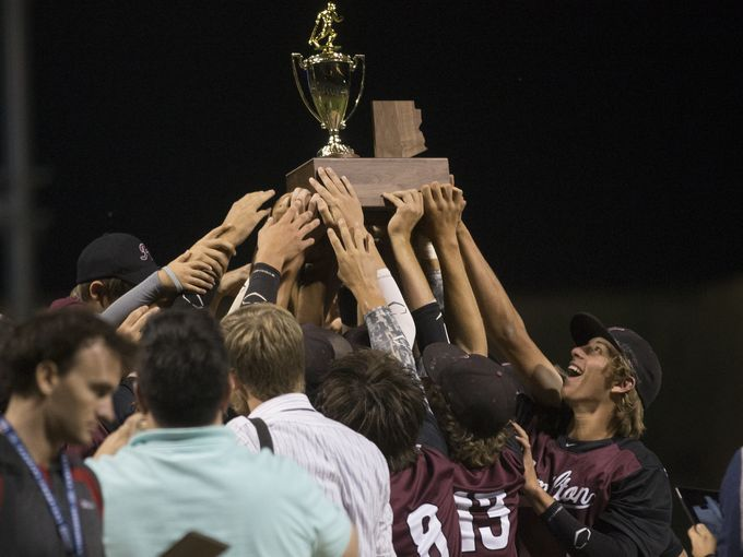Chandler Hamilton players celebrate their Division I State Baseball Championship (Photo: Michael Chow, azcentral sports)