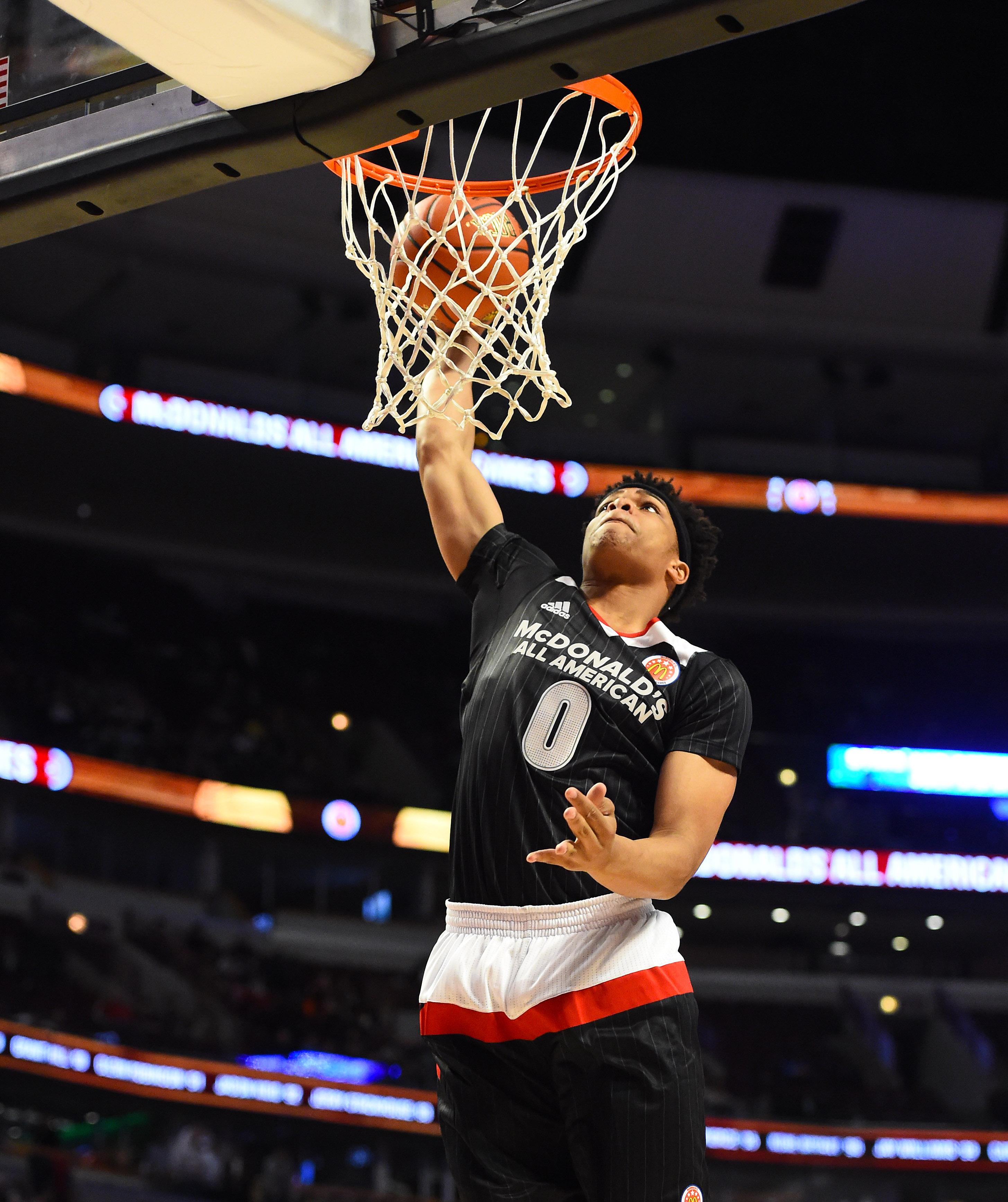 East's Miles Bridges (0) dunks (Photo: Mike DiNovo, USA TODAY Sports)
