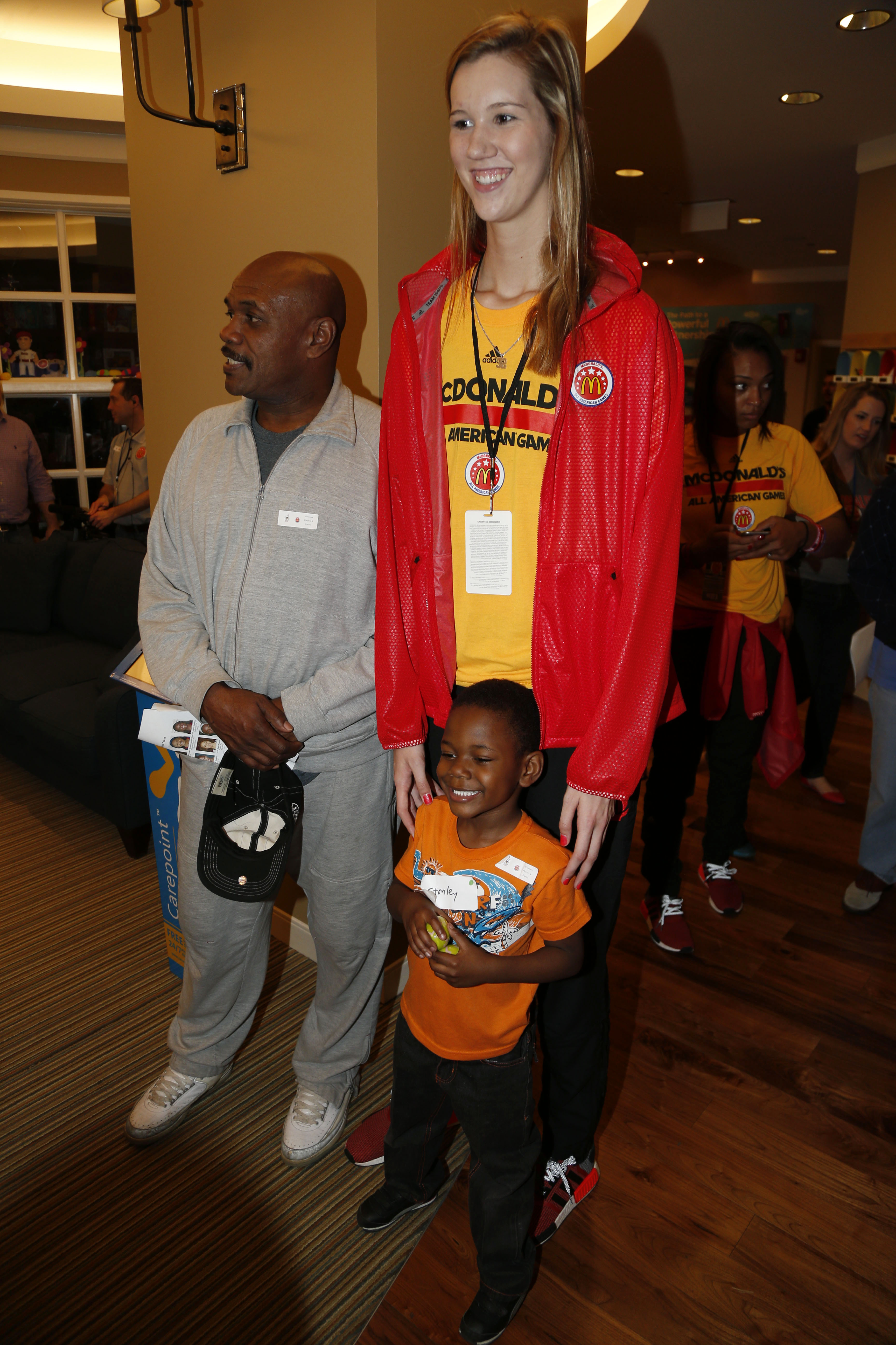 Center Nancy Mulkey poses for a photo with Stanley Parchman after going on an Easter egg hunt at the Ronald McDonald House in downtown Chicago. (Photo: Brian Spurlock, USA TODAY Sports)