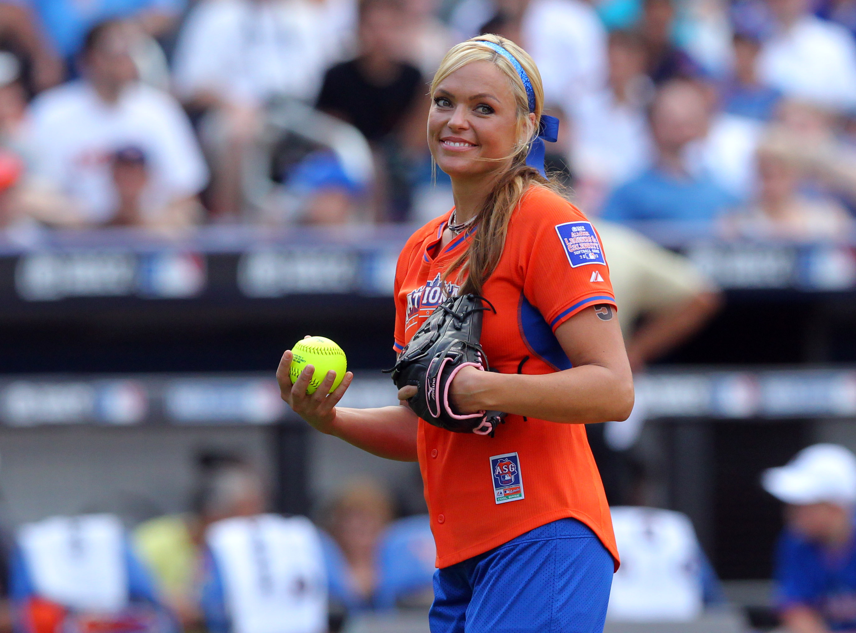 Former USA softball player Jennie Finch pitched during 2013 All Star Legends and Celebrity softball game at Citi Field. (Photo: Brad Penner, USA TODAY Sports)