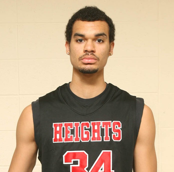 Perry Ellis in a 2010 photos at Wichita Heights High in Kansas. (Photo: The Wichita Eagle)