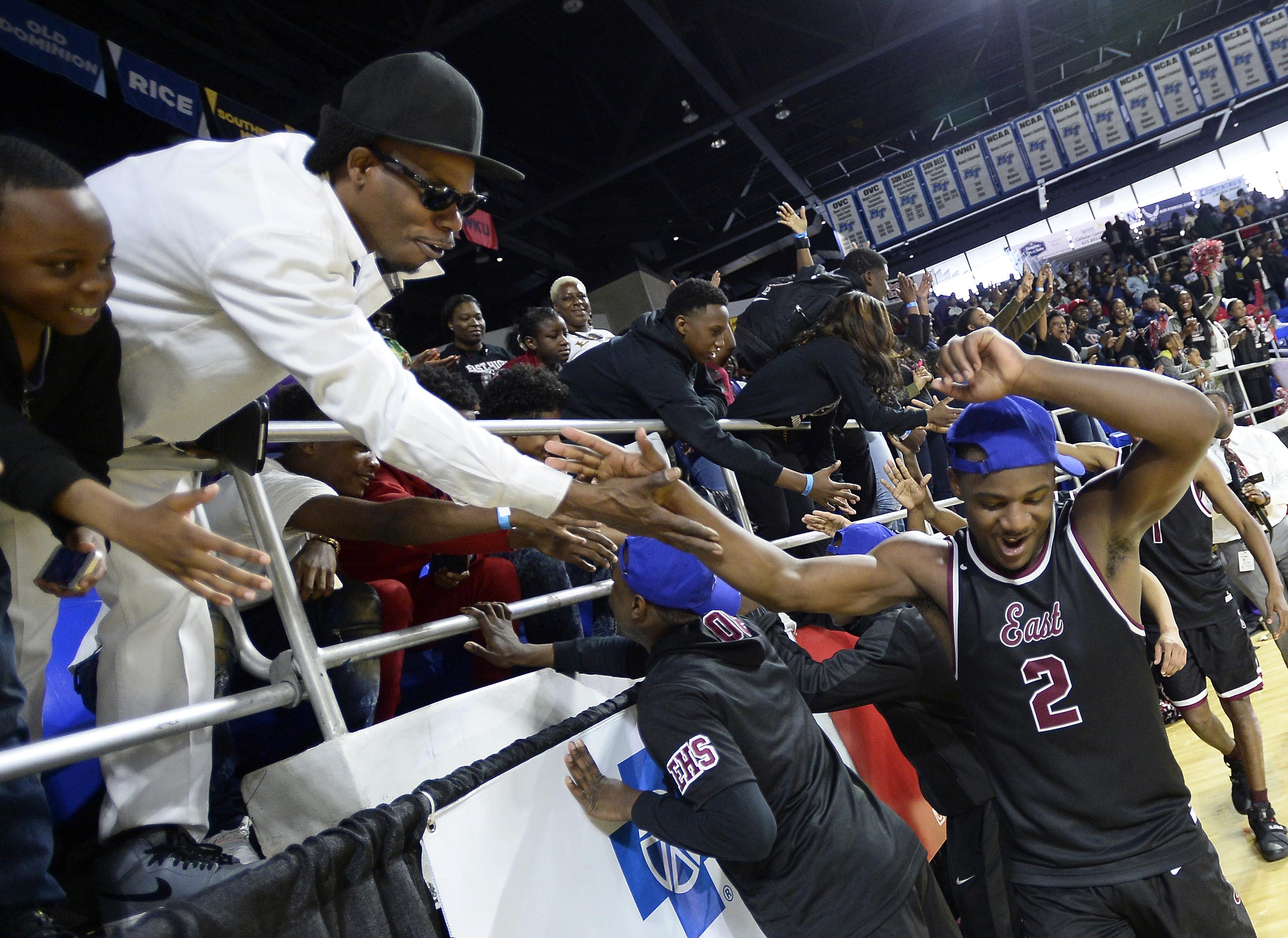 Memphis East's Alex Lomax (2) celebrates the win in Tennessee Division I Class AAA championship (Photo: Mark Zaleski, Associated Press)