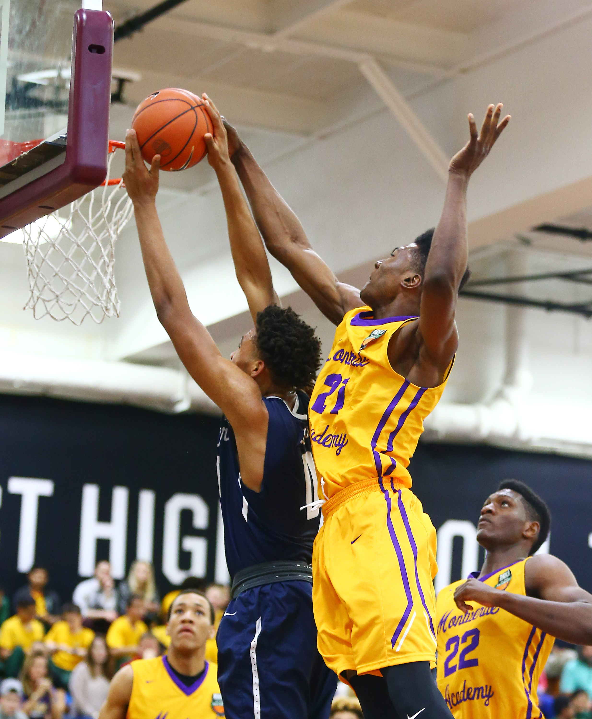 Montverde Academy forward Bruno Fernando (21) defends during the DICK'S Sporting Goods High School Basketball Nationals (Photo: Andy Marlin, USA TODAY Sports)