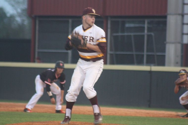 Deer Park, Texas, improved to 24-0 and is the new No. 1 team in the Super 25 baseball rankings. (Photo: Robert Avery, Deer Park baseball).