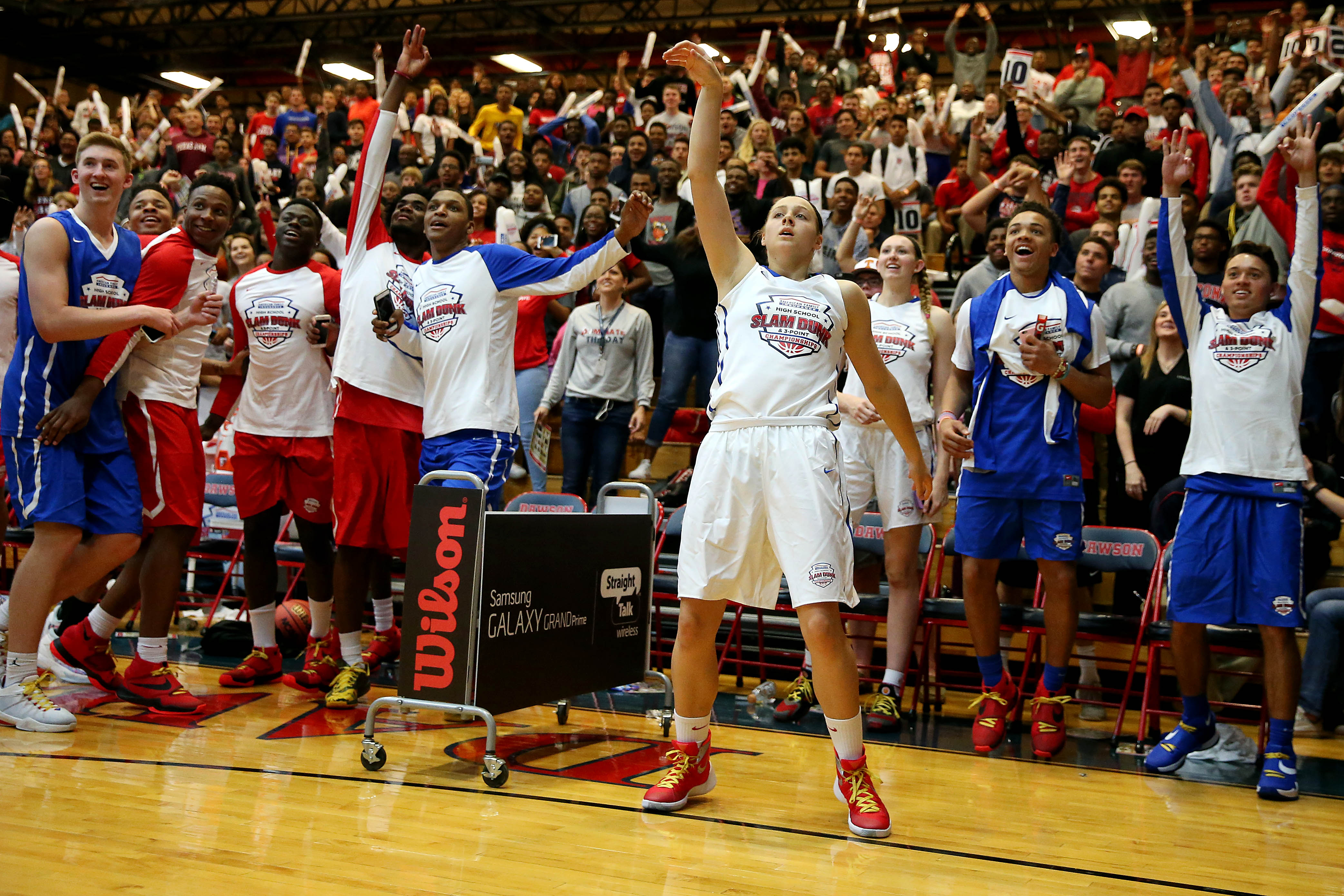 Mikayla Pevic reacts after her last shot during the American Family High School Slam and 3-point championship (Photo: Peter Casey, USA TODAY Sports)