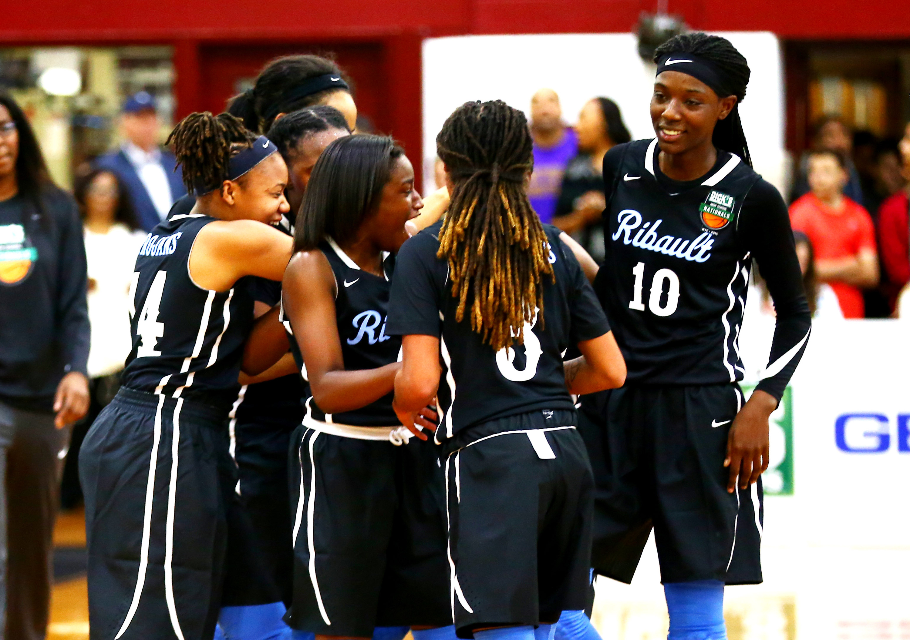 Ribault celebrates after defeating Seton Catholic 49-41 in the DICK'S Nationals semifinals (Photo: Andy Marlin, USA TODAY Sports)