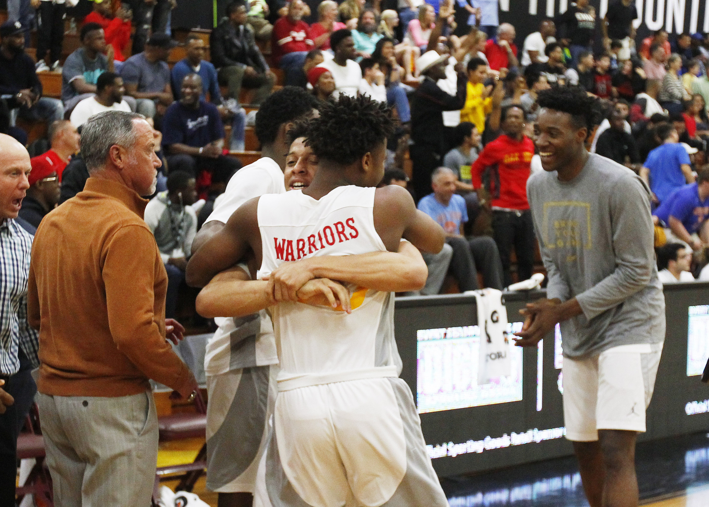 Oak Hill Academy players celebrate after defeating Miller Grove. (Photo: Andy Marlin, USA TODAY Sports)
