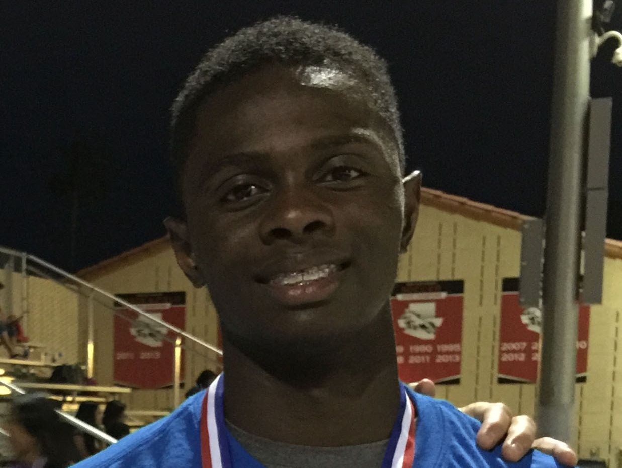 Anthony Stennis, from Phoenix Camelback, is azcentral sports' Male Athlete of the Week, presented by La-Z-Boy Furniture Galleries, for April 21-28.