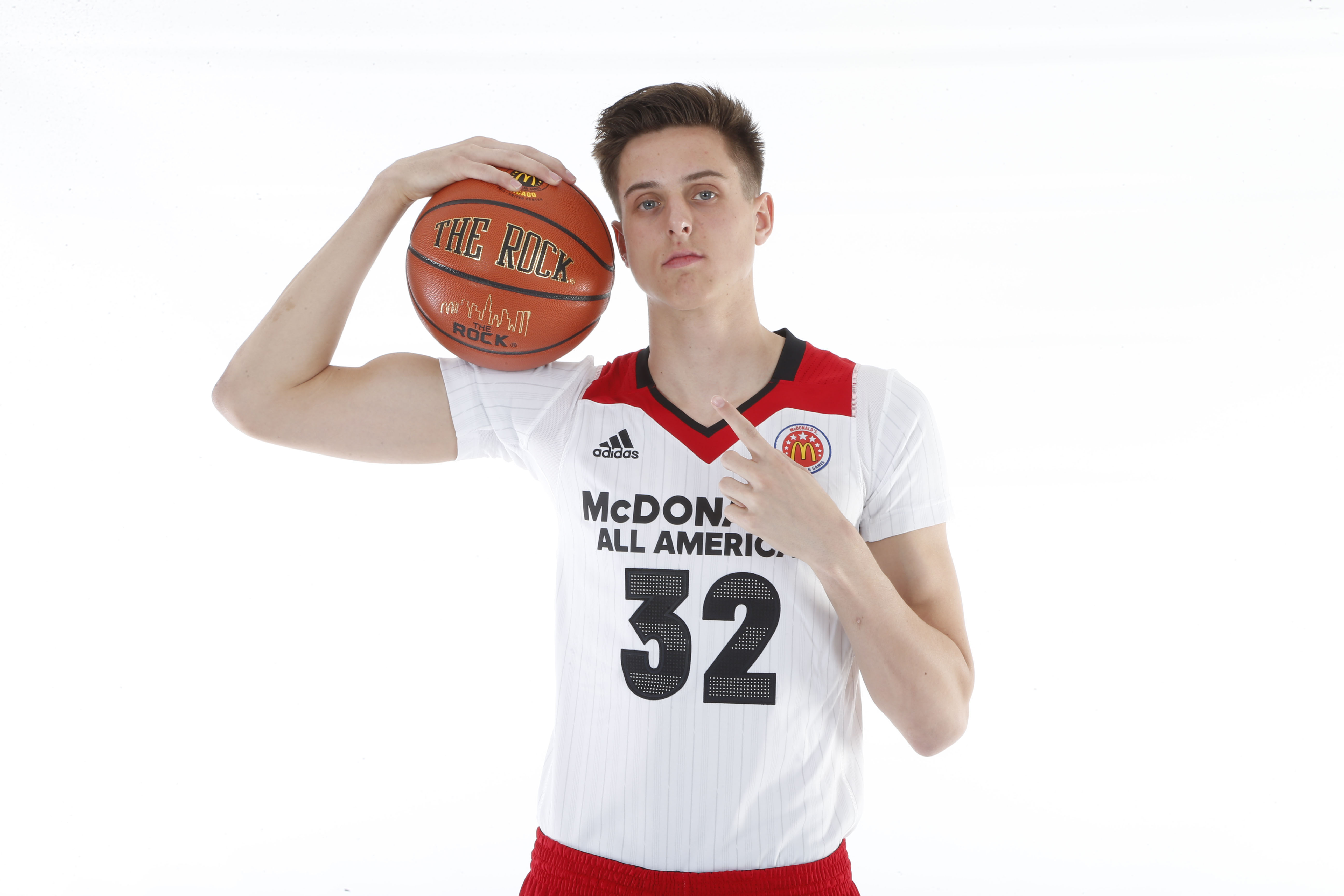 Mar 26, 2016; Chicago, IL, USA; McDonalds All American center Zach Collins (32) poses for photos on portrait day at the Marriott Hotel. Mandatory Credit: Brian Spurlock-USA TODAY Sports ORG XMIT: USATSI-267702 ORIG FILE ID: 20160326_szo_ss1_222.JPG