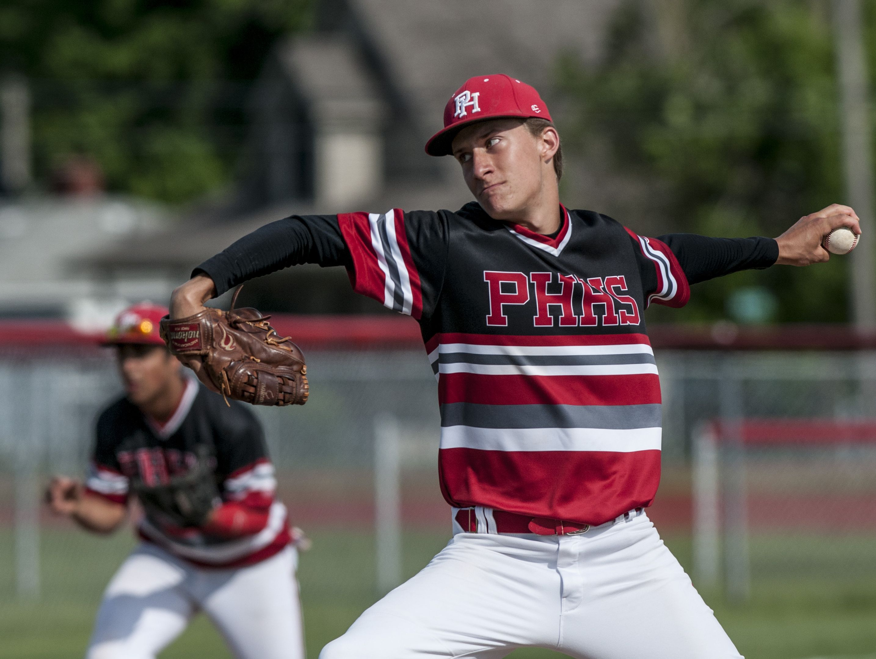 Port Huron's Brett Wagner throws a pitch during a baseball game Tuesday, May 31, 2016 at Port Huron High School.