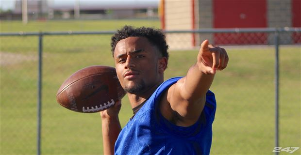 Cedar Hill QB Avery Davis will play next season at Notre Dame. (Photo: 247Sports)