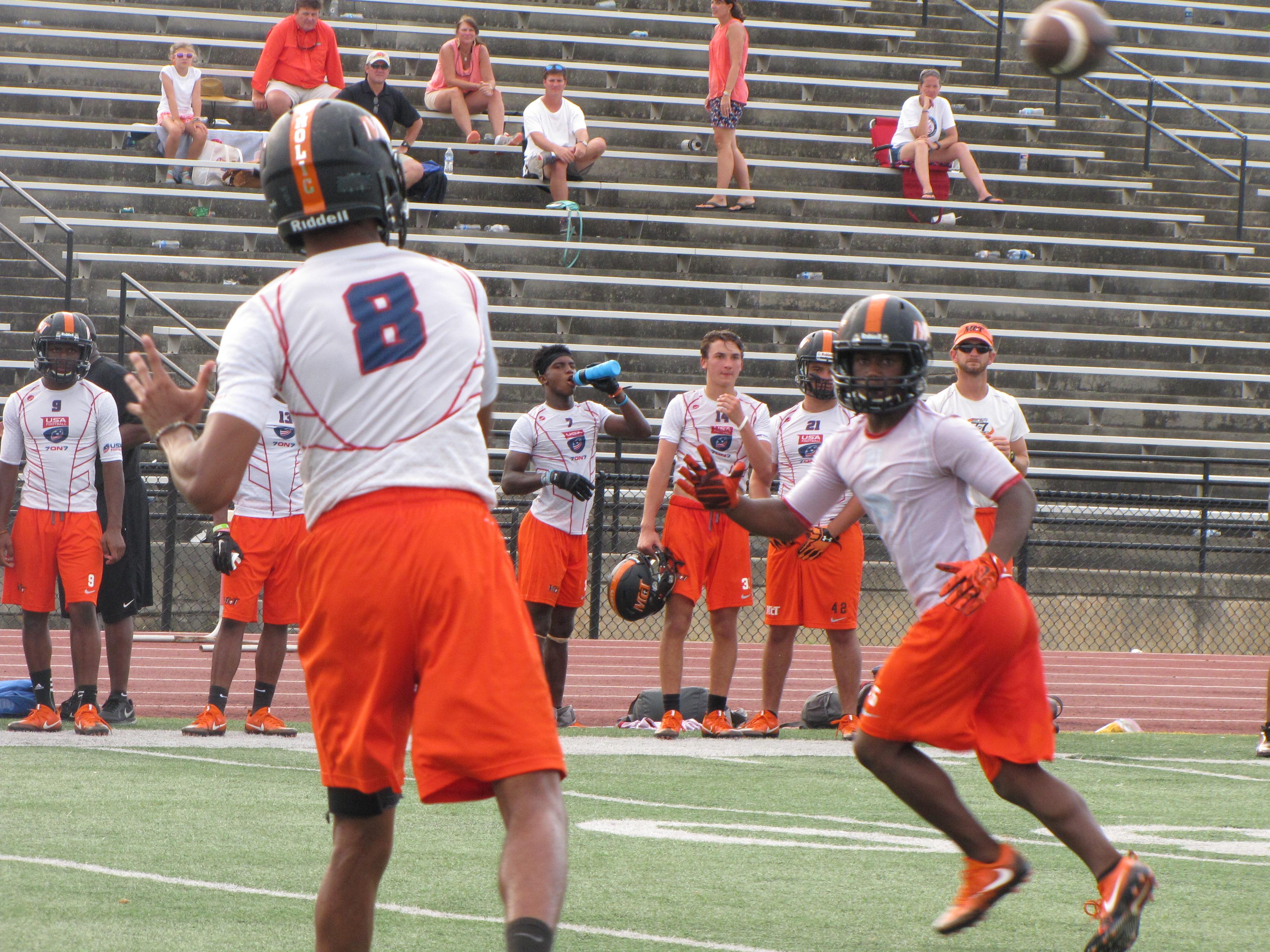 Bubba Thompson 8) takes over at quarterback Photo: Jim Halley, USA TODAY Sports)