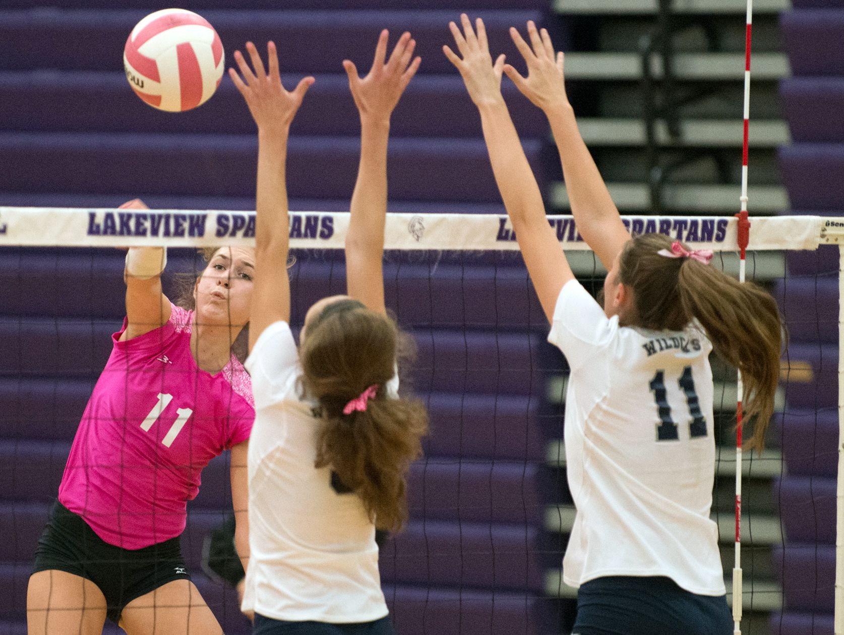 Lakeview's Sidney Schiller (11) in game action.