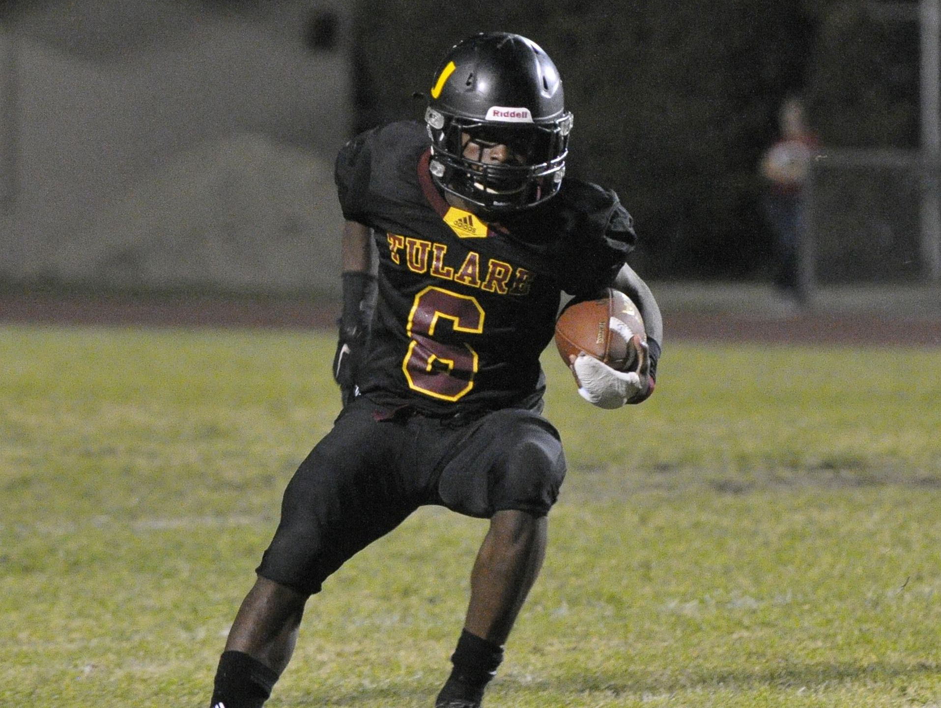 Tulare Union running back Romello Harris made a verbal pledge Thursday to attend Washington State on a football scholarship.