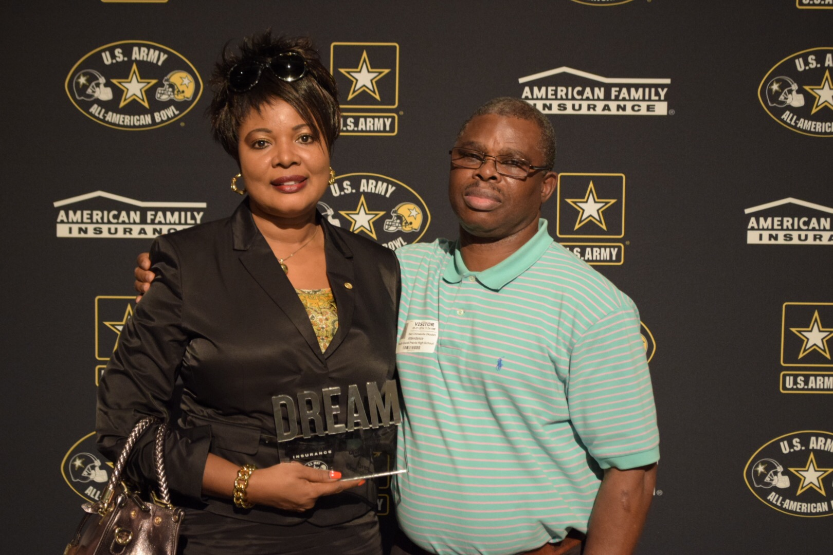 Jane and Sam Okudah received the Dream Champion award during the Selection Tour (Photo: Army All-American Bowl)