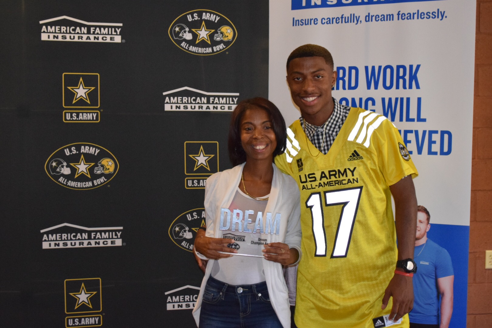 Jamire Calvin's American Family Insurance Dream Champion award was presented to his mother, Jamire Calvin's mother, Yana Johnson (Photo: Army All-American Bowl)