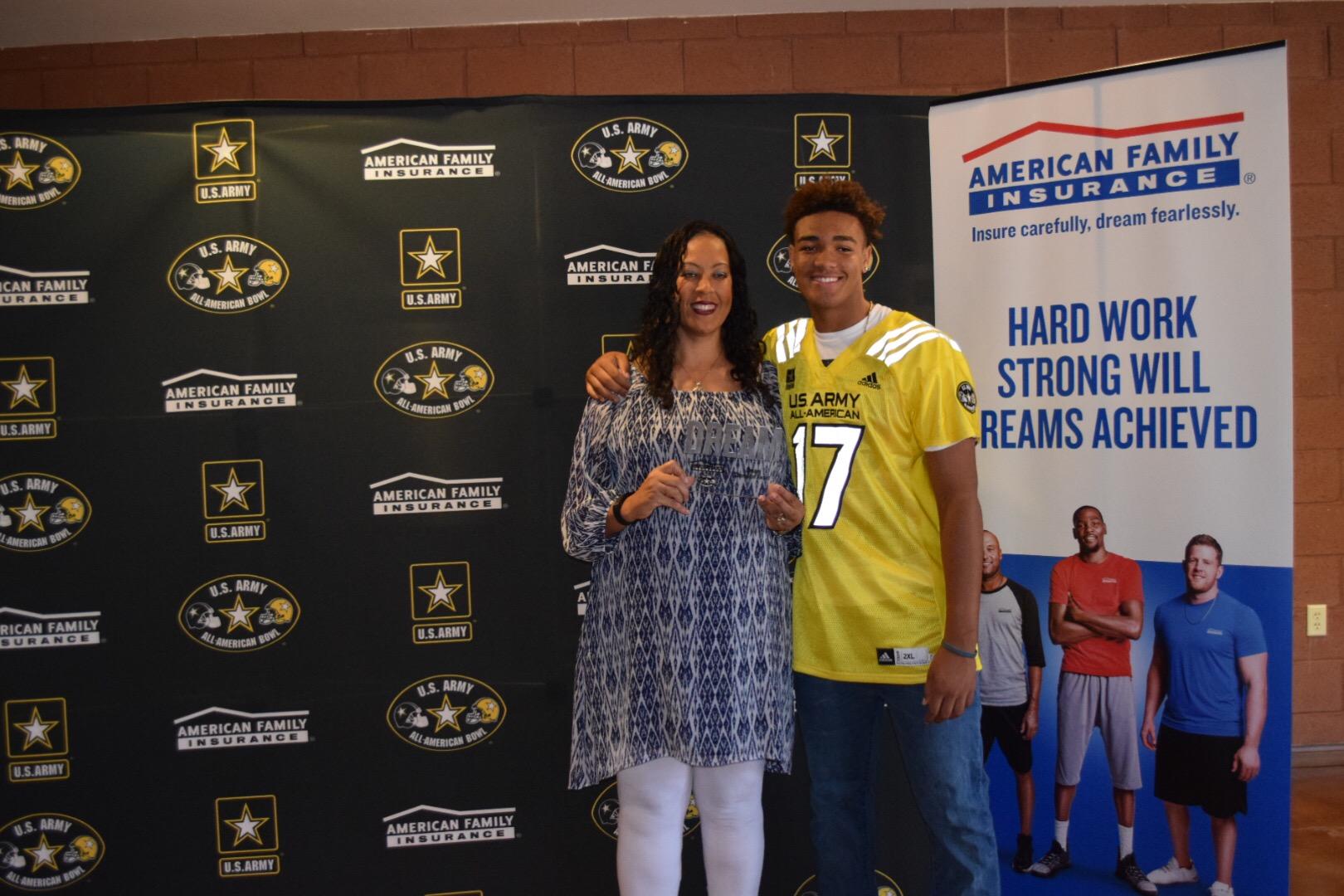 Hunter Echols' American Family Insurance Dream Champion award was presented to his mother, Laronda Echols (Photo: Army All-American Bowl)