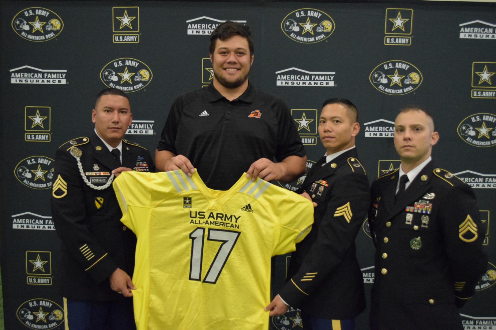 Chuck Filiaga receives his Army Bowl jersey (Photo: U.S. Army All-American Bowl)