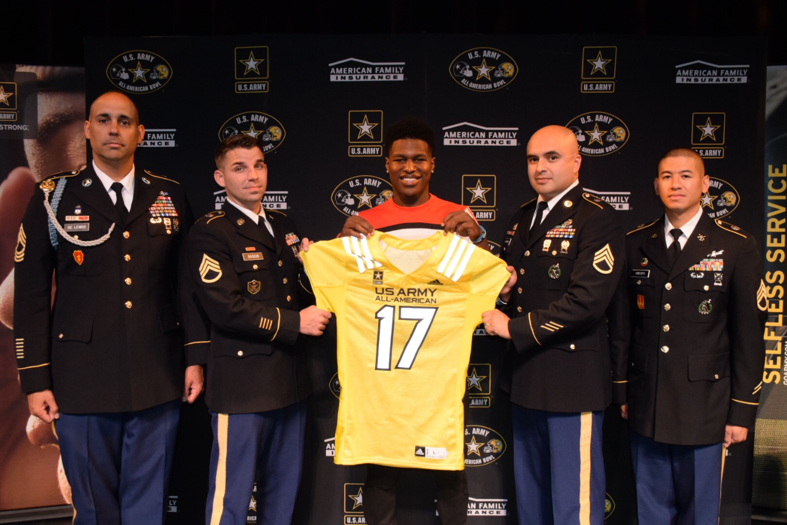 Darnay Holmes is presented with his U.S. Army All-American Bowl jersey (Photo: Army All-American Bowl)