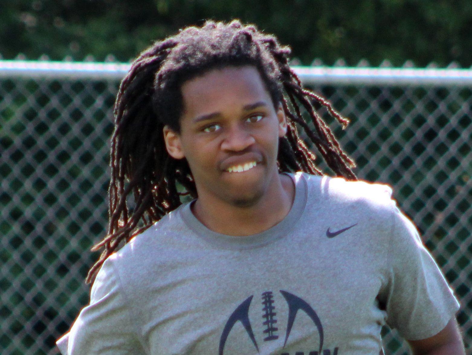 Franklin Road Academy running back Adonis Otey