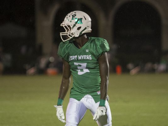 Bensley Bornelus of Fort Myers lines up to run a route during a recent game (Photo: Amanda Inscore/The News-Press)