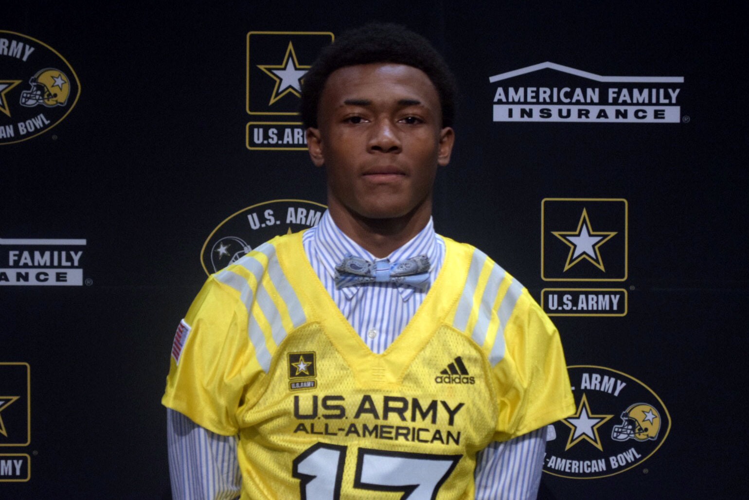 Devonta Smith receives his Army All-American Bowl jersey (Photo: U.S. Army All-American Bowl)